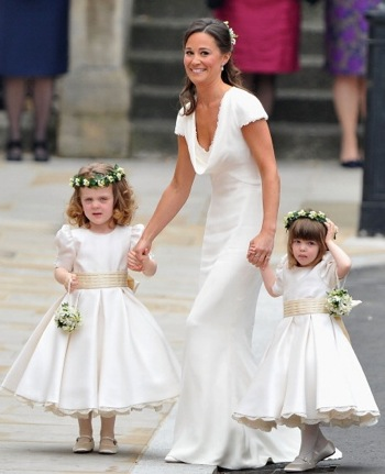 Designer of Kate Middelton's flowergirl dresses launches communion dresses – 28/01/12